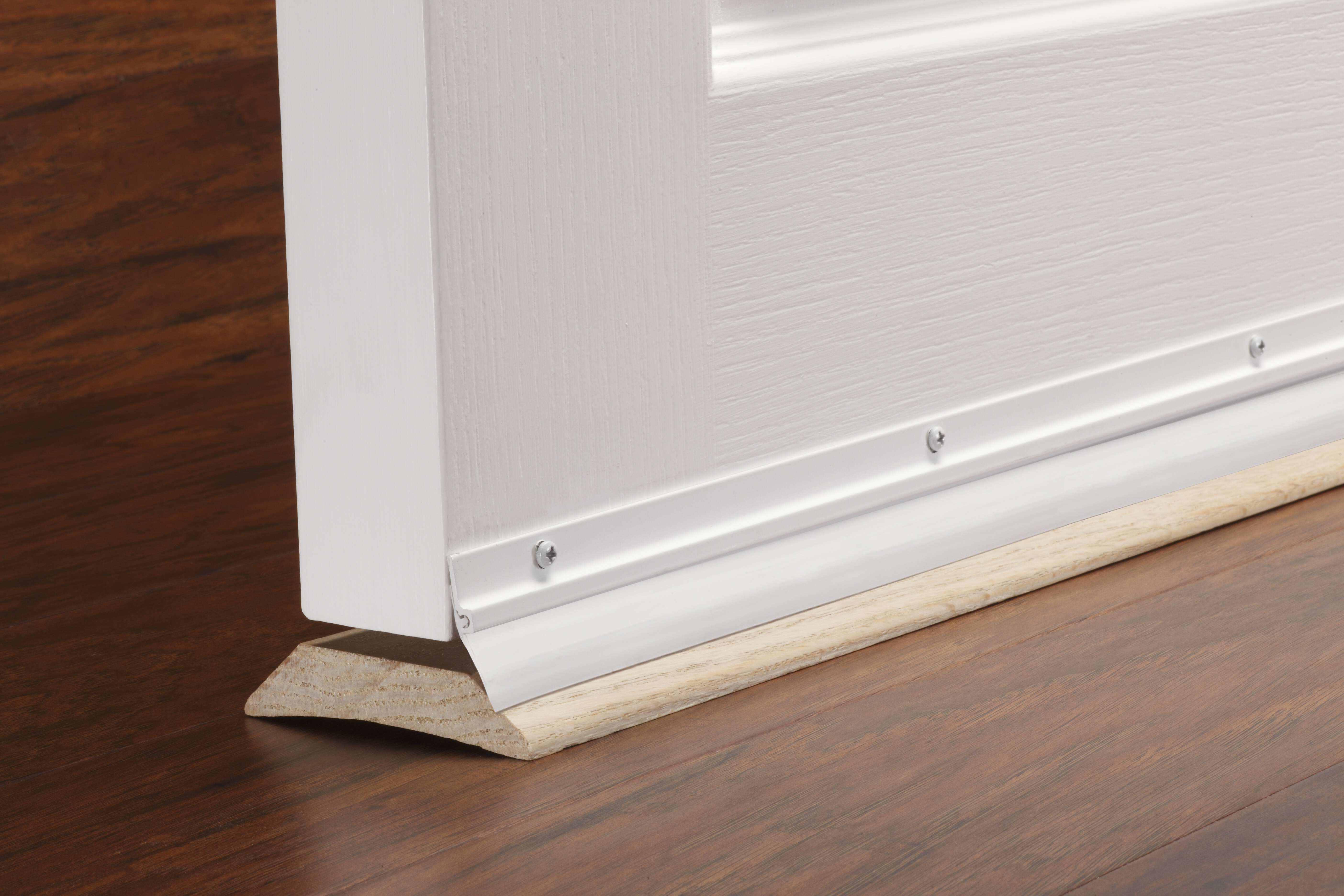 M D Standard Door Sweep Aluminum Vinyl 36 White M D Building Products Inc